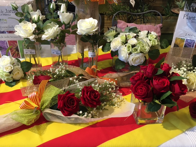 Tot preparat per celebrar la diada de Sant Jordi 2017.